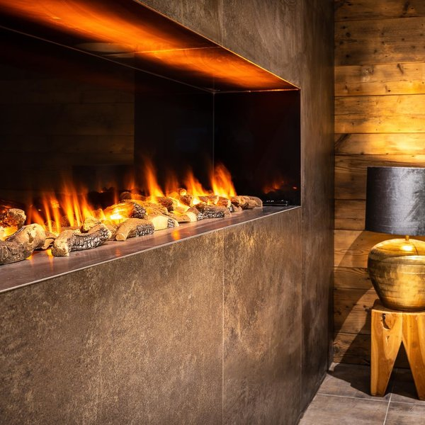 Chalets Coburg Fireplace at the lounge