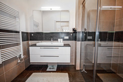 Top 2 - Bathroom with shower