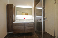 Top 6 - Bathroom with shower