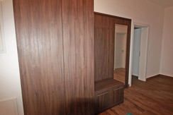 Top 3 - spacious anteroom with wardrobe